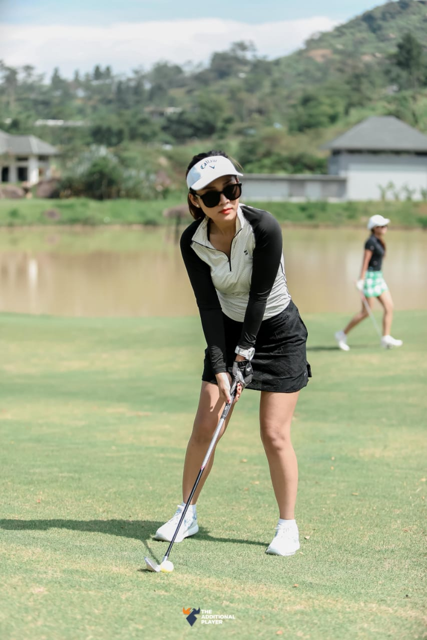 Women's Golf White Long Sleeve Top
